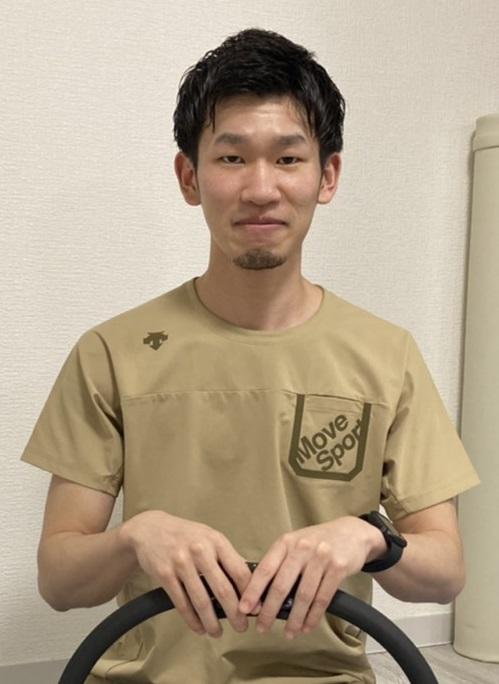 整骨院スタッフ トレーナー 髙木先生